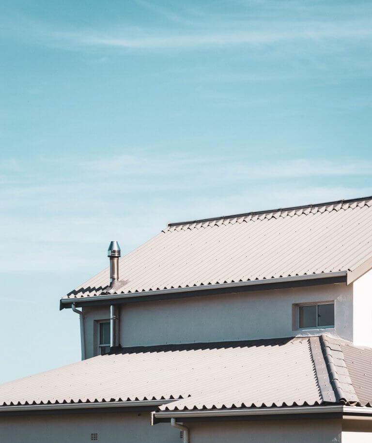 Крыша из профнастила фото
